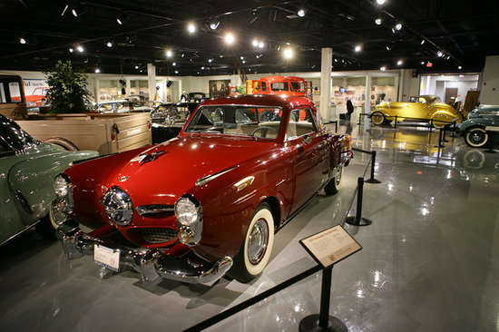 South Bend, Индиана:                   Studebaker National Museum