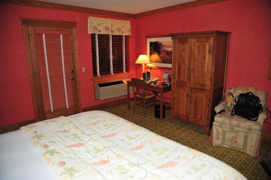 Napa River Inn at the Historic Napa Mill :                   Our room