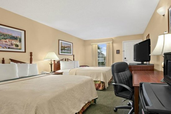 Days Inn Americus: Double Room with Full size beds