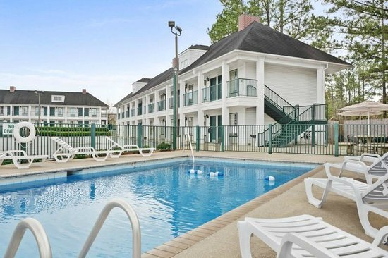 Days Inn Americus: Sparkling Pool