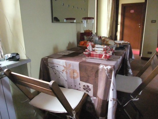 Bed & Breakfast La Valle:                   angolo cena