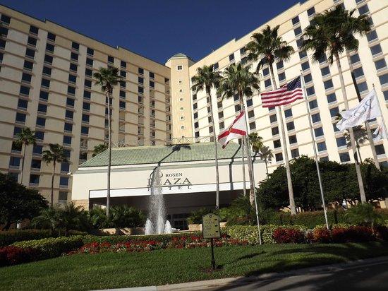 Rosen Plaza Hotel:                   Front of hotel