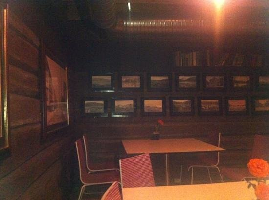 Yonas Pizzeria & Catering :                   The walls are covered with photos of Tromsø pre 1945.