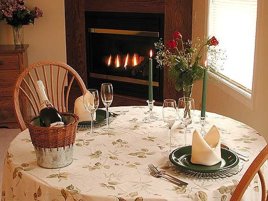 North Glade Inn: Candlelit dinner