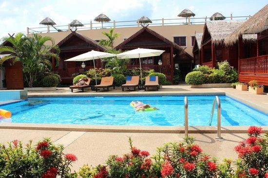 Jaidee Resort:                   zwembad Jaidee