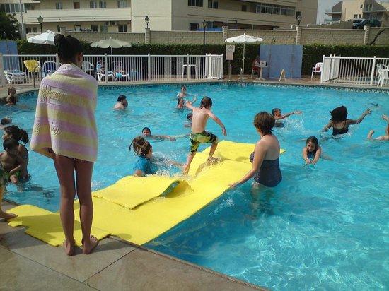 Hi! Gardenia Park Hotel:                   Pool games