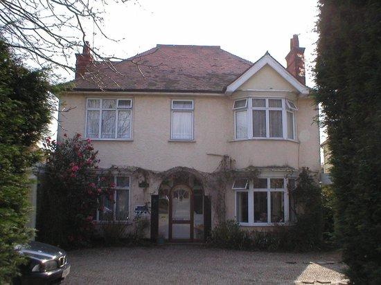 aarandale guest house b b reviews chelmsford essex. Black Bedroom Furniture Sets. Home Design Ideas