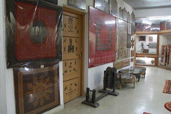 Bharatiya Sanskruti Darshan Museum:                                                       Bharat Crafts on the cloths of KUTCH