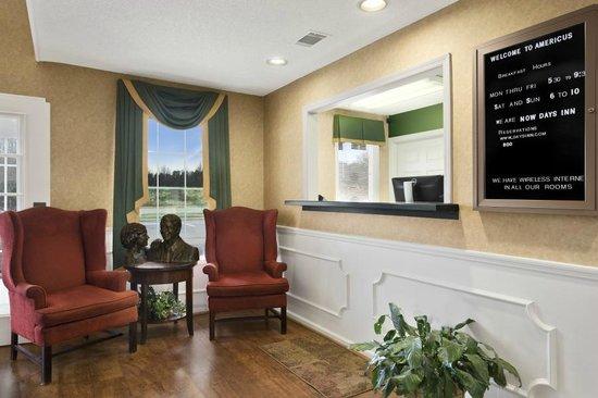 Days Inn by Wyndham Americus: Lobby