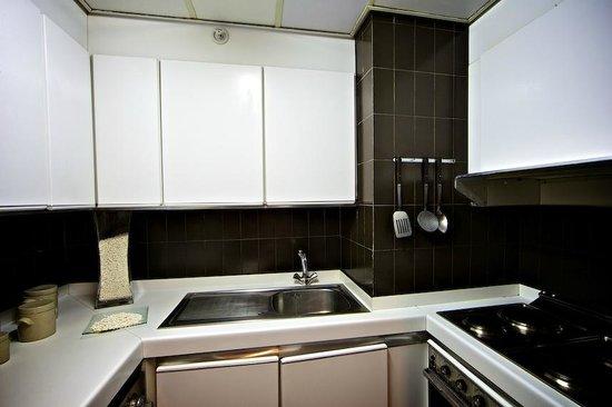 Apartamentos Eurobuilding 2: Cocina