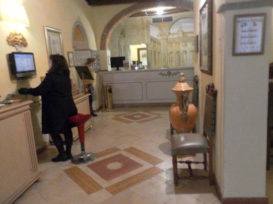 Bologna Hotel Pisa:                   Reception area with internet access