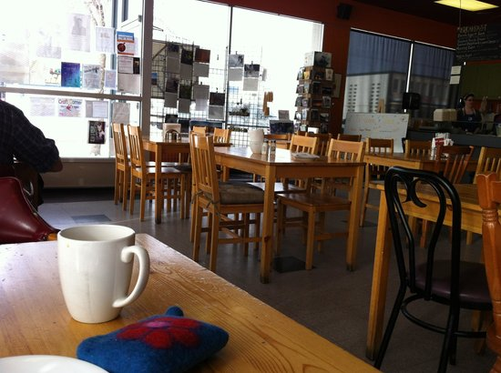 Java Domain:                   Great spot for lunch in downtown Peace River