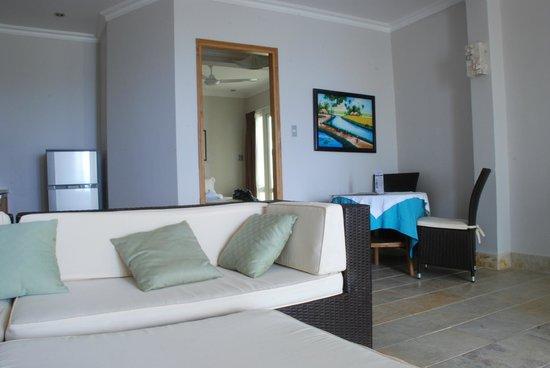 Shades Resort:                   Studio 3 living room