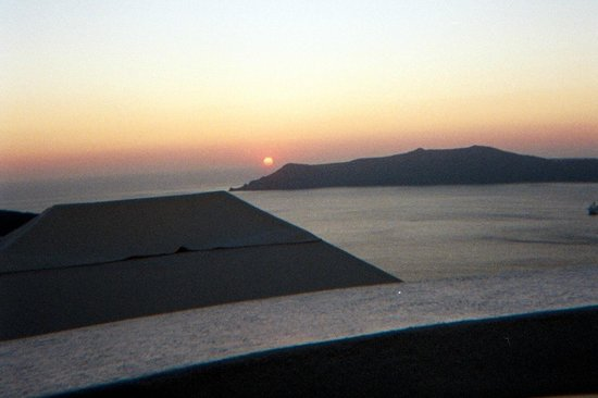 Cosmopolitan Suites Hotel:                   View of the Caldera at Sunset