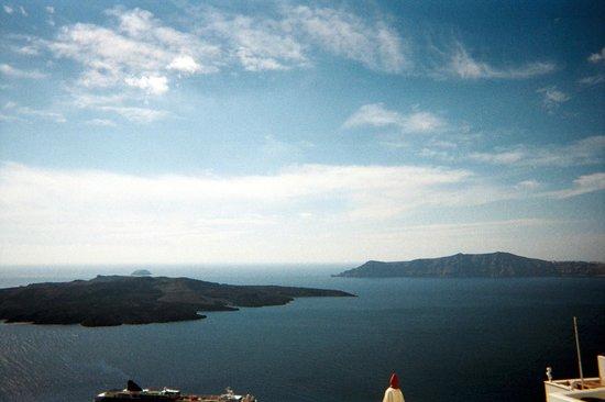 คอสโมโพลิแทน สวีทส์:                   View of the Caldera