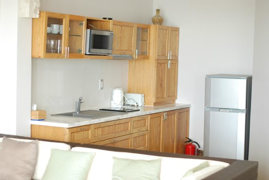 Shades Resort:                   Studio 3 kitchenette