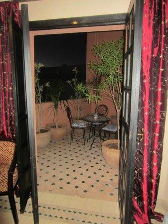 Albakech House:                   Notre balcon
