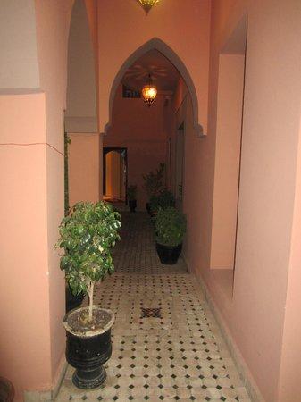 Albakech House:                   Couloir
