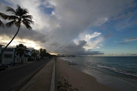 Tres Palmas Inn:                   Strandbereich