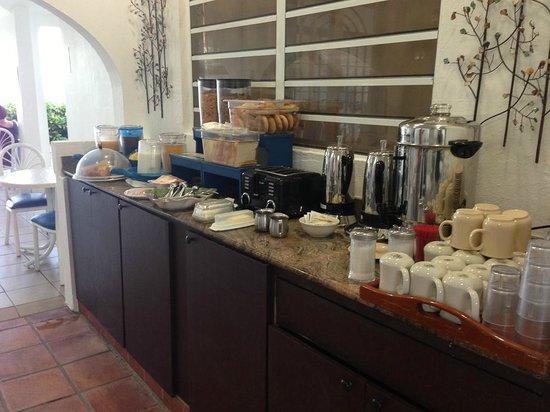 Tres Palmas Inn:                   Frühstück