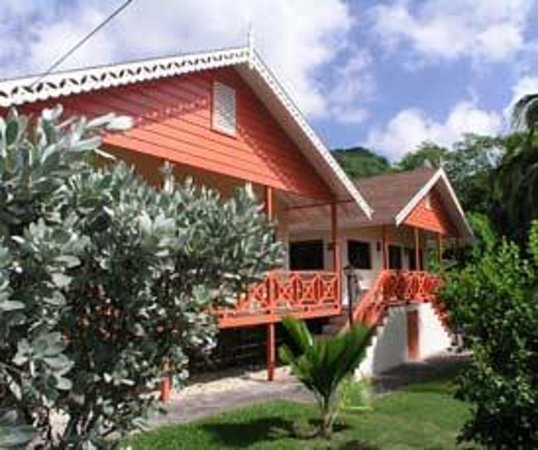 Kingsville Apartments (Bequia/Lower Bay)