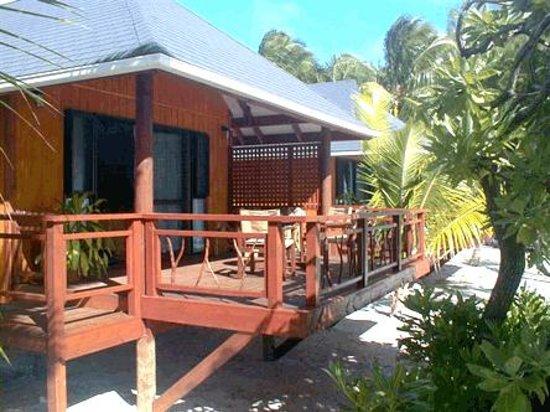 Aitutaki Seaside Lodges: Exterior