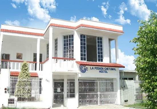 La Posada Chetumal Hostel:                   front