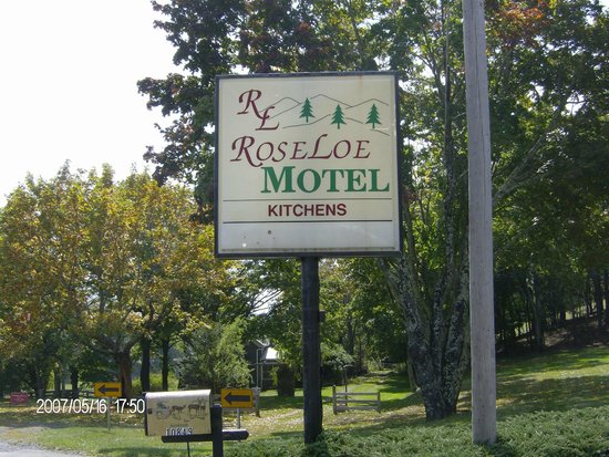 Roseloe Motel: spring at Roseloe