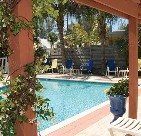 Anna Maria Beach Cottages: Pool