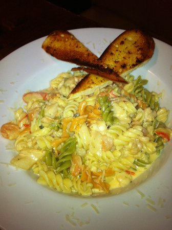Cousins On King Bar and Grill :                   seafood alfredo