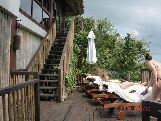 Six Senses Samui:                   villa 54 : three levels, here stairs from bedroom level down to pool, more one
