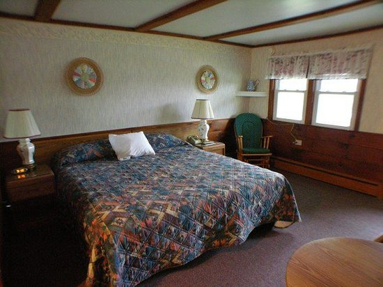 Bay Top Motel: Deluxe King Room