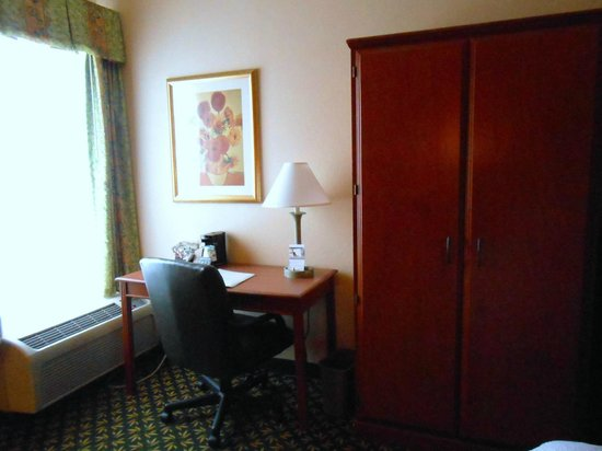 Hampton Inn Concord/Bow :                   room
