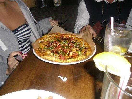 Lazy Dog Restaurant & Bar:                   great  pizza