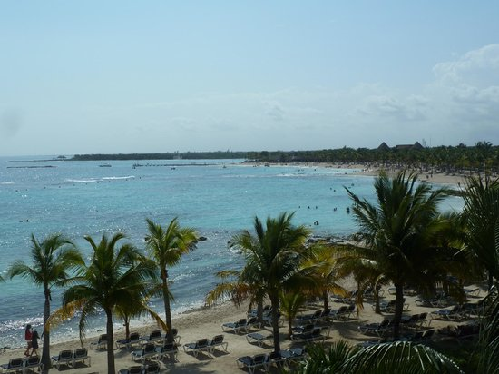 Barcelo Maya Tropical:                   A view of the beach from the palace