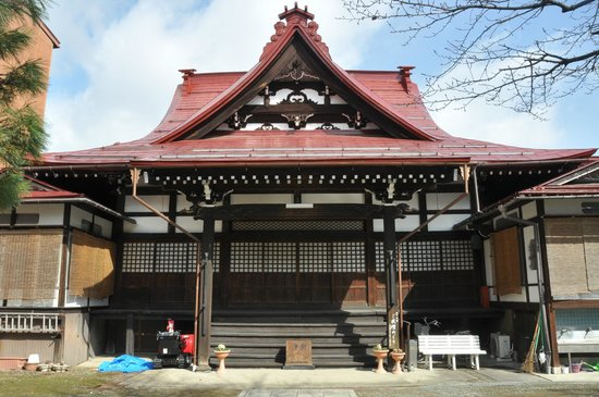 Hida Takayama Zenkoji :                   The entrance of the temple