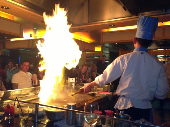 Sapporo Teppanyaki - Manchester : Chef at work!