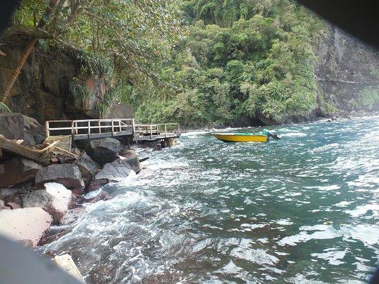 Falls of Baleine:                   Broken jetty