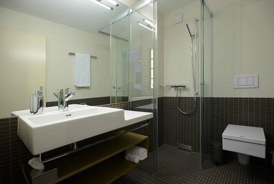 Anker Hotel: Dusche / WC