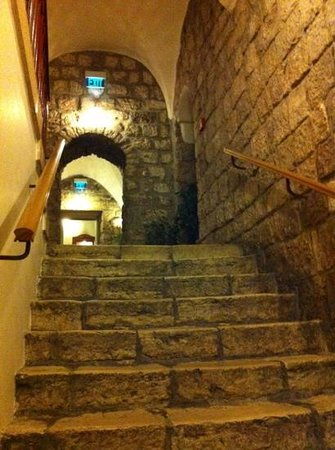 American Colony Hotel Arabesque Restaurant :                   stairs from the cellar bar to the lobby