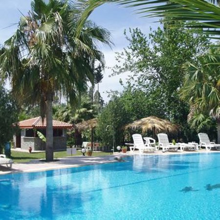 Dalyan Garden Pension: Garden Pool & Bar