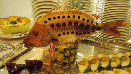 Alpendomizil Neuhaus:                                     Buffet de poissons