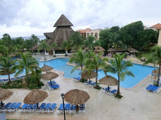 Sandos Playacar Beach Resort:                   La piscine de la section chambre