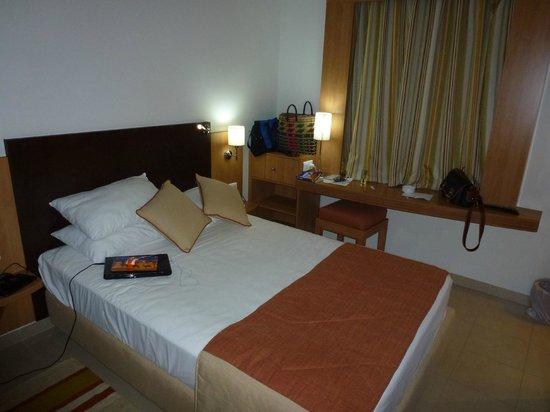 Hotel TIBA :                   Room 305 - cozy!