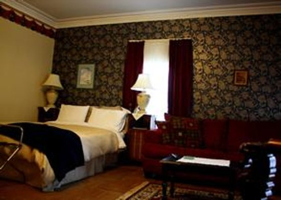 Снимок Davies House Bed and Breakfast