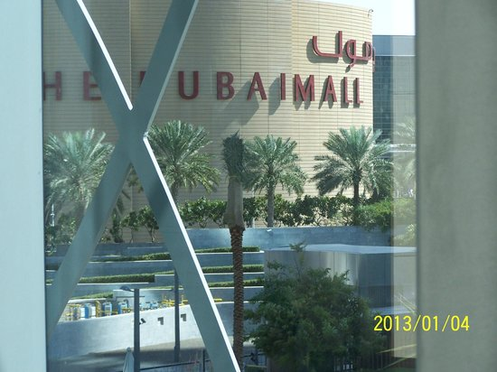 Premier Inn Dubai Investments Park Hotel :                   outside dubaimall