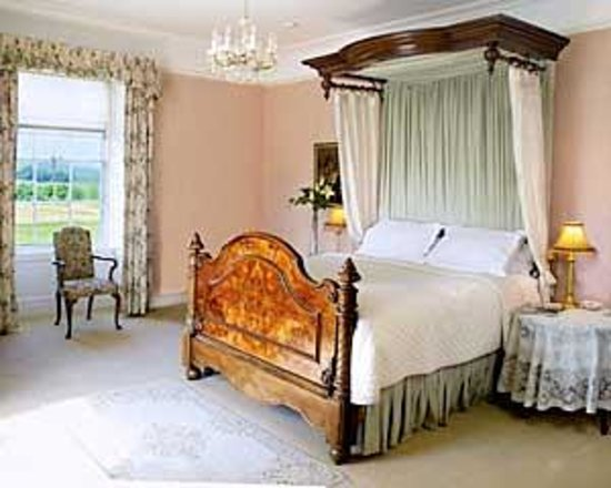 Blanchville House: Blanchville- Master Room