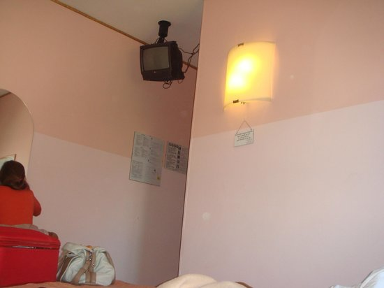 Hotel Ariston:                   tv is so small you have to stand bellow it to see something.