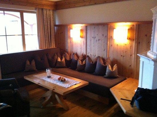 Hotel Bayerwaldhof:                   Kachelofen in unserer Suite