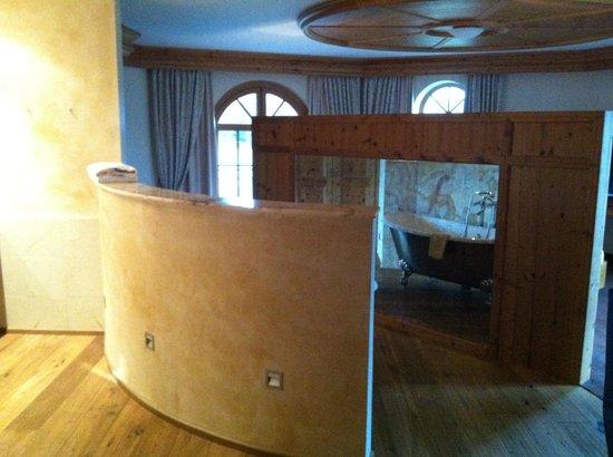 Hotel Bayerwaldhof:                   Bad-Teil (getrennte Dusche und getrenntes WC auch vorhanden)